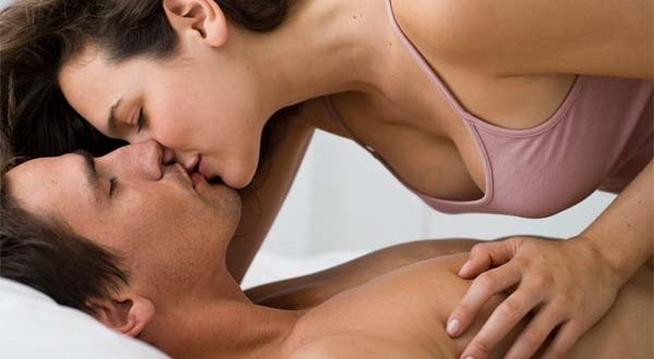 Kissing Top rated - page 2 - Free Porn